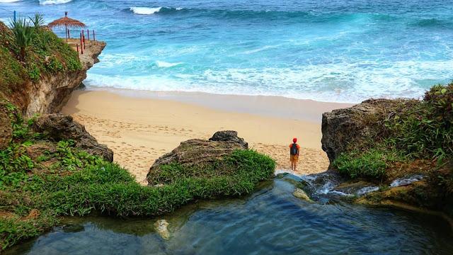 pantai pacitan yang bagus