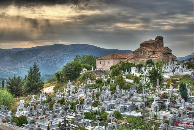 Τη μεταφορά του 1ου νεκροταφείου Παραμυθιάς ζητά η Λαϊκή Συσπείρωση