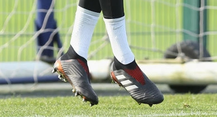 uk availability c4b2f 70230 Dele Alli Trains in Adidas Predator 18+ Debut Boots