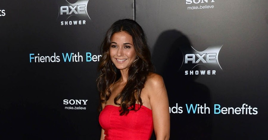 Beyonce Pregnant Emmanuelle Chriqui Best Wallpapers 7