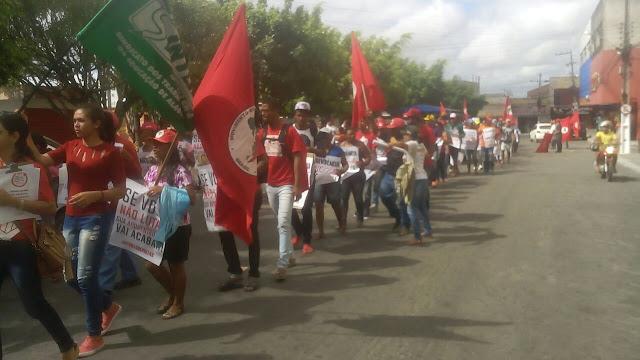 Em Delmiro Gouveia, trabalhadores rurais, sindicatos e estudantes  protestam contra a Reforma da Previdência