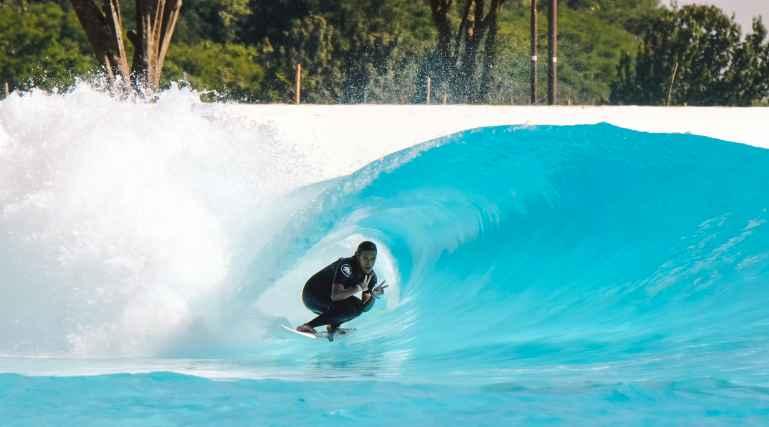 surf30 wavegarden brasil Wavegarden Praia da Gama Julia Santos
