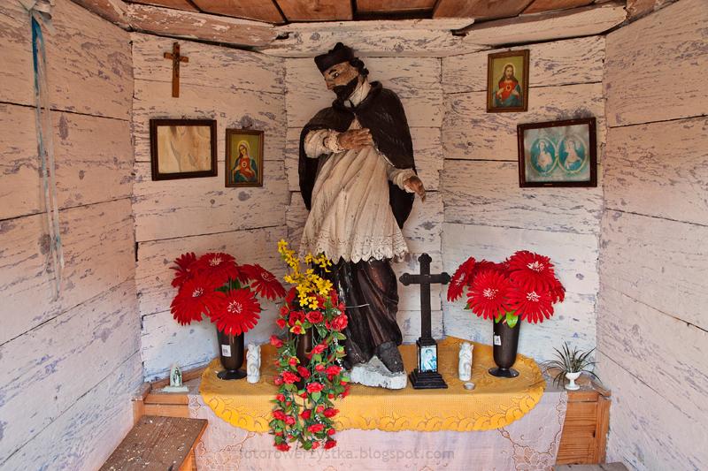 Huta Stara, świętokrzyskie, kapliczka, Jan Nepomucen