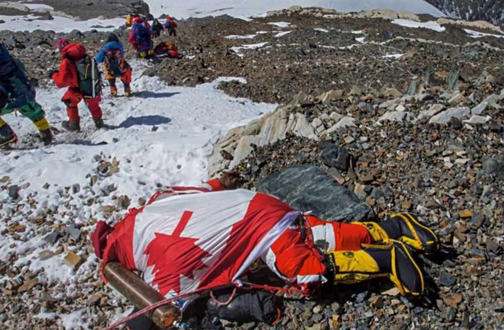Beberapa MAyat di Gunung Everest