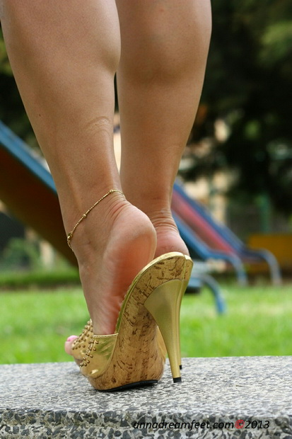 Sexy Feet In Mules