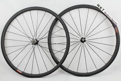 carbon road wheels size 30 mm Hub Novatec