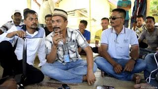 din minimi mengaku gerakannya fokus untuk memperjuangkan hak fakir miskin dan mantan-mantan kombatan gerakan aceh merdeka atau gam yang saat ini belum sejahtera