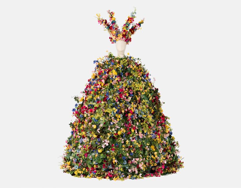 El vestido de flores que se subastó por 65.000 dólares