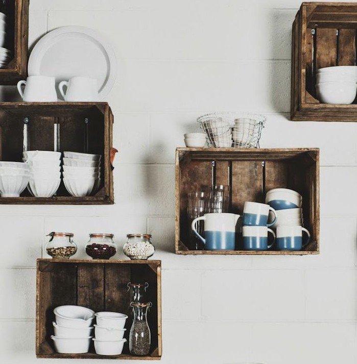 R cup et fait maison des id es r cup et d co des caisse r cup dans une cuisine - Deco etagere cuisine ...
