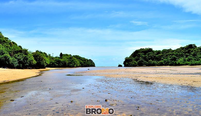 Pantai Clungup Sendangbiru Malang Selatan