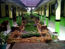 Desain Taman Sekolah Dengan Bunga Hias Bonsai Taman