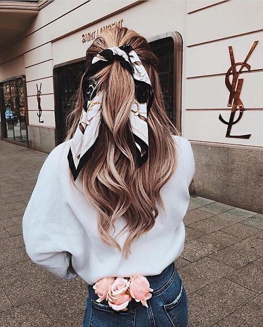 Peinados con bandana semirecogido coleta