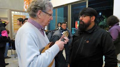 Gran charanguista Hector Soto y luthier artesano Claudio Rojas