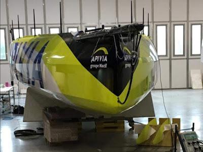 L'IMOCA Apivia à Lorient pour son chantier