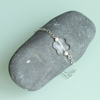 https://www.alittlemarket.com/bracelet/fr_bracelet_argent_925_et_cristal_de_roche_-17926622.html