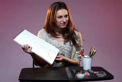 Wanita Diminta menggambar penis
