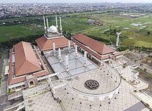 Destinasi Wisata Menarik di Kota Semarang - Masjid Agung Jawa Tengah