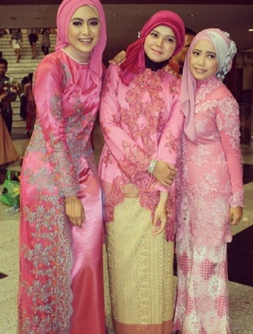 Model Baju Kebaya Brokat Modern Muslim Style Gamis