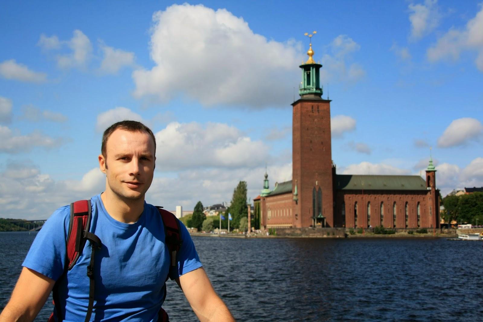 Parlamento sueco junto al río, Estocolmo.
