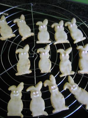 Osterhasen-Kekse backen