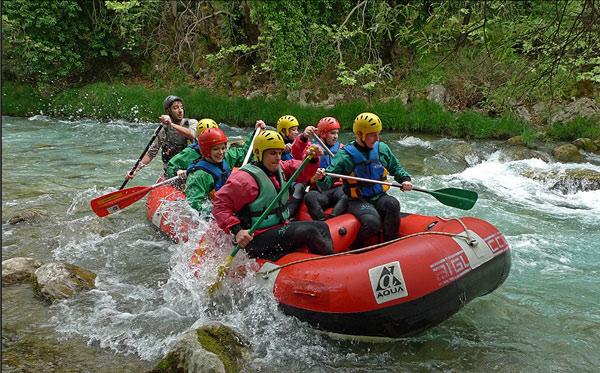 Στον ποταμό Λούσιο για ράφτινγκ με τη Φυσιολατρική Ορειβατική Ομάδα Αργολίδας