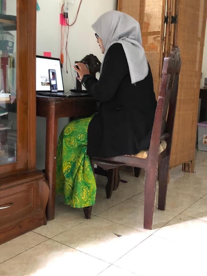 ibu rumah tangga digital : Heni Prasetyorini