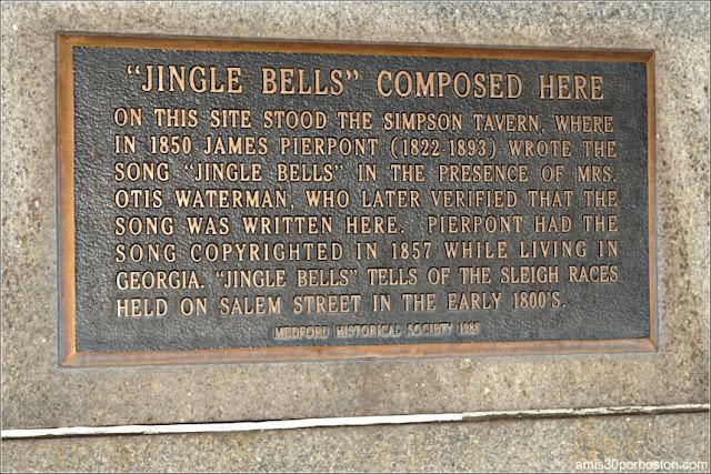 """Placa que Recuerda el Lugar en el que se Compuso """"Jingle Bells"""" en Medford, Massachusetts"""