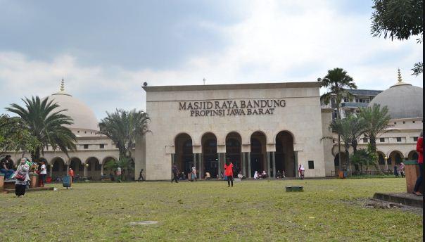 Masjid Raya Bandung Gelar Shalat Idul Adha