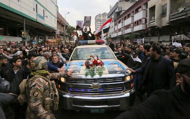 Iraquianos acompanham funeral de Soleiman
