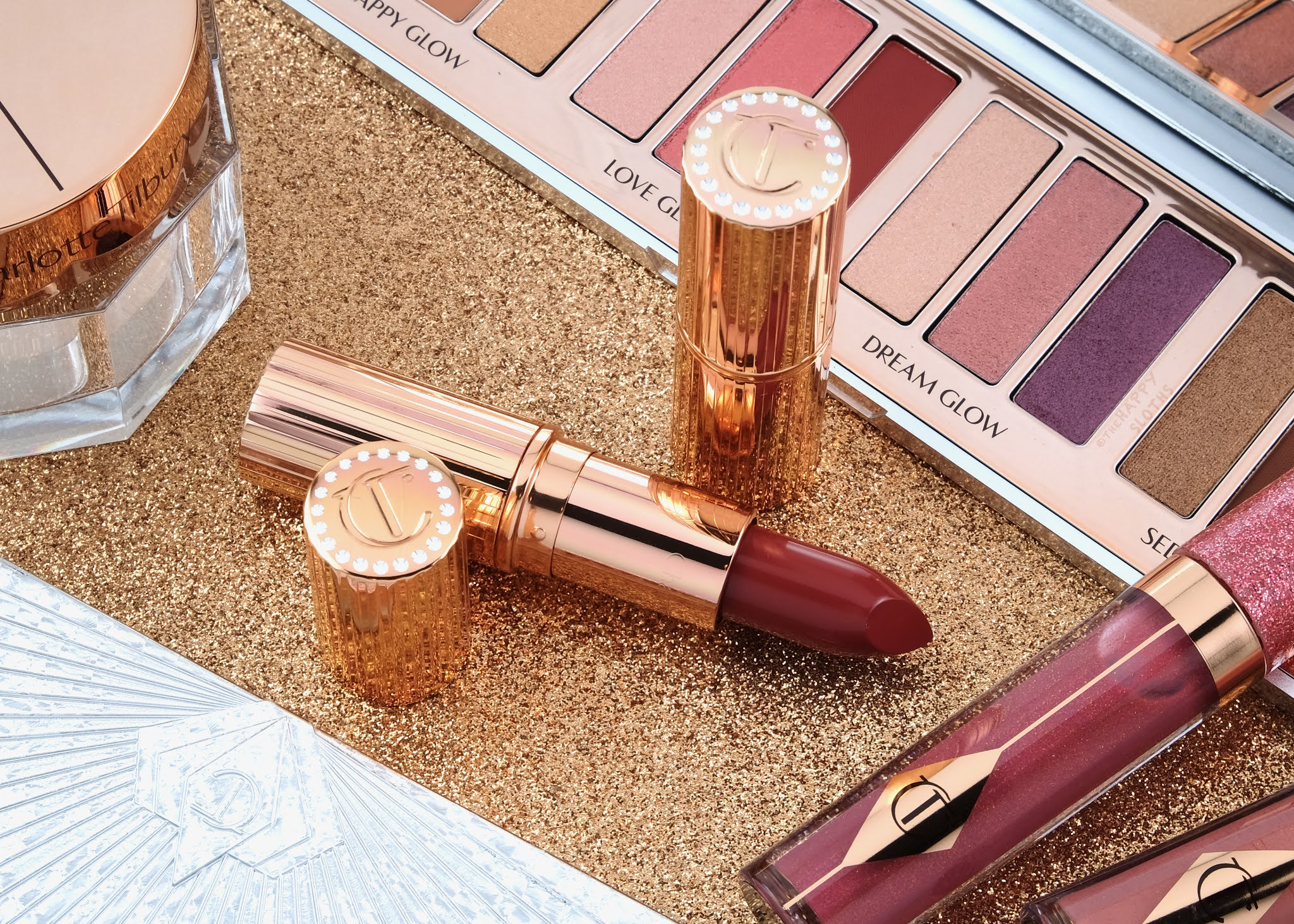 "Charlotte Tilbury | Holiday 2020 K.I.S.S.I.N.G Lipstick in ""Super Starlet"": Review and Swatches"