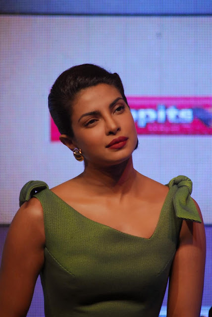 Priyanka Chopra hot in black shorts + other sexy pics in green dress