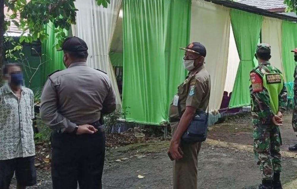 Petugas Gabungan Tertibkan Kegiatan Masyarakat Langgar Aturan PPKM