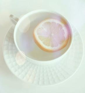 Manfaat Mengkonsumsi Air Lemon Hangat.