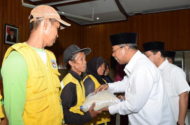 Pemprov NTB Berbagi Ramadhan Dengan Pasukan Kuning