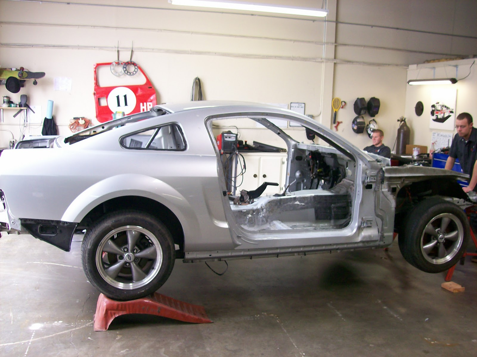 The Cage Is Built To Formula Drift Specifications It A Six Point Roll With Multiple Bends Per Match Contours Of Mustang