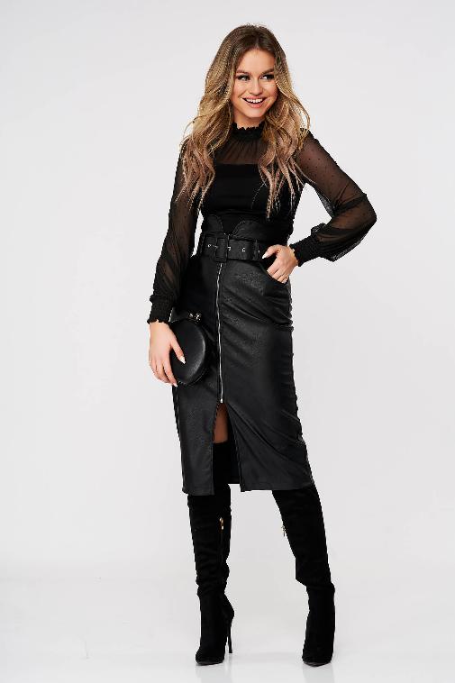 Bluza dama Top Secret neagra pe gat eleganta mulata cu aplicatii din plumeti
