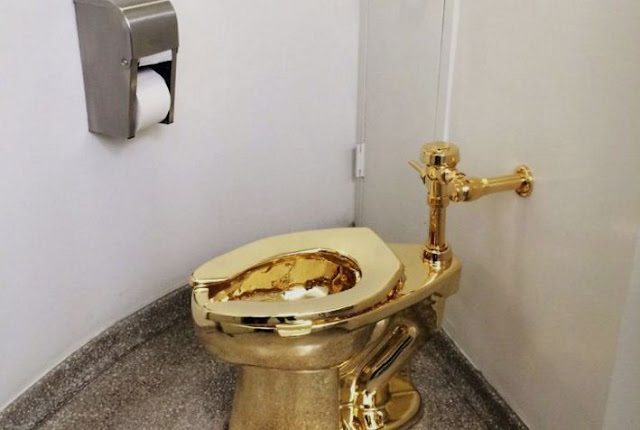 Toilet Emas, Closet Emas, Toilet Berlapis Emas 18 Karat