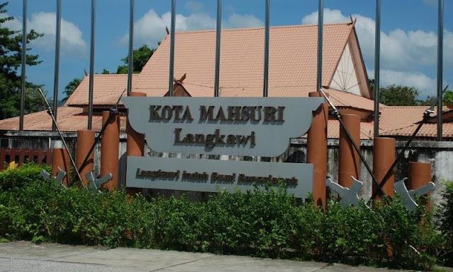Image result for makam mahsuri langkawi