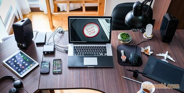 5 Pekerjaan yang Cocok untuk Anak Kuliah dan Bisa Dilakukan Secara Online
