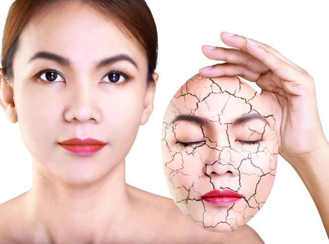 Kosmetik Juga Membuat Minyak Berlebih Pada Wajah, Yang Seperti Apa?