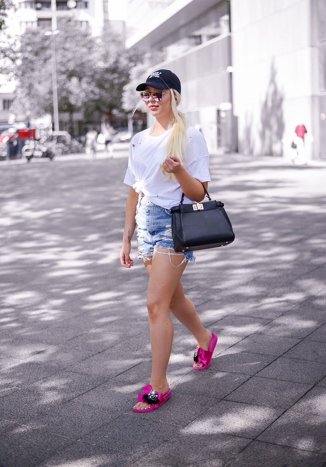 pink zara slides_fendi peekaboo bag_ripped denim shorts_white tee_summer outfit ideas