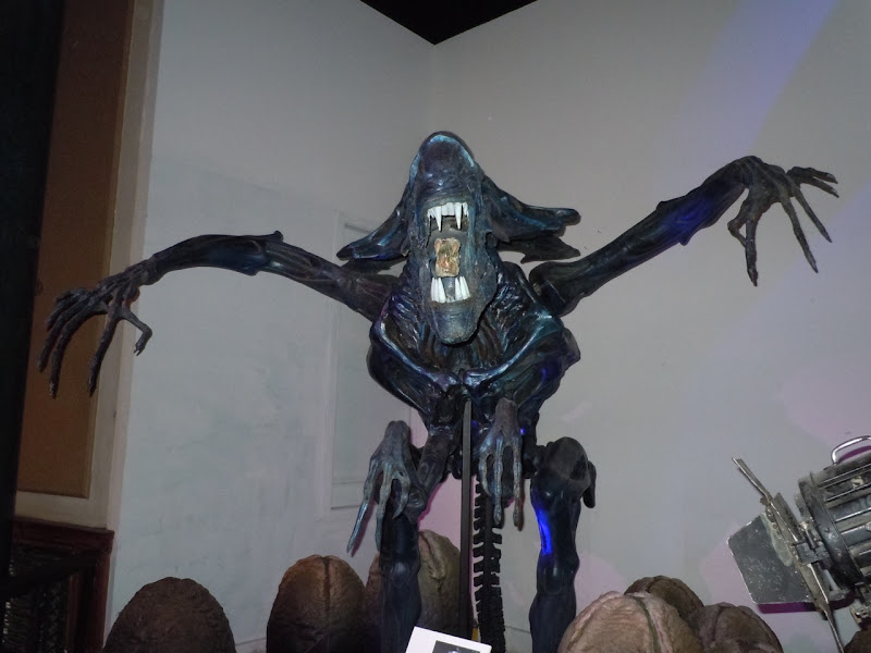Alien Queen movie replica