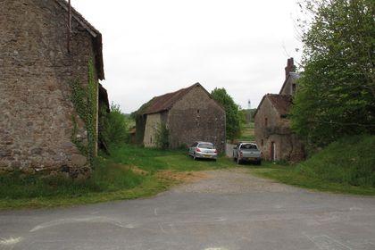 Open entrance, barns and manoir,