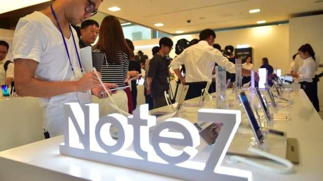 Samsung expects further profit hit from Note 7 fallout