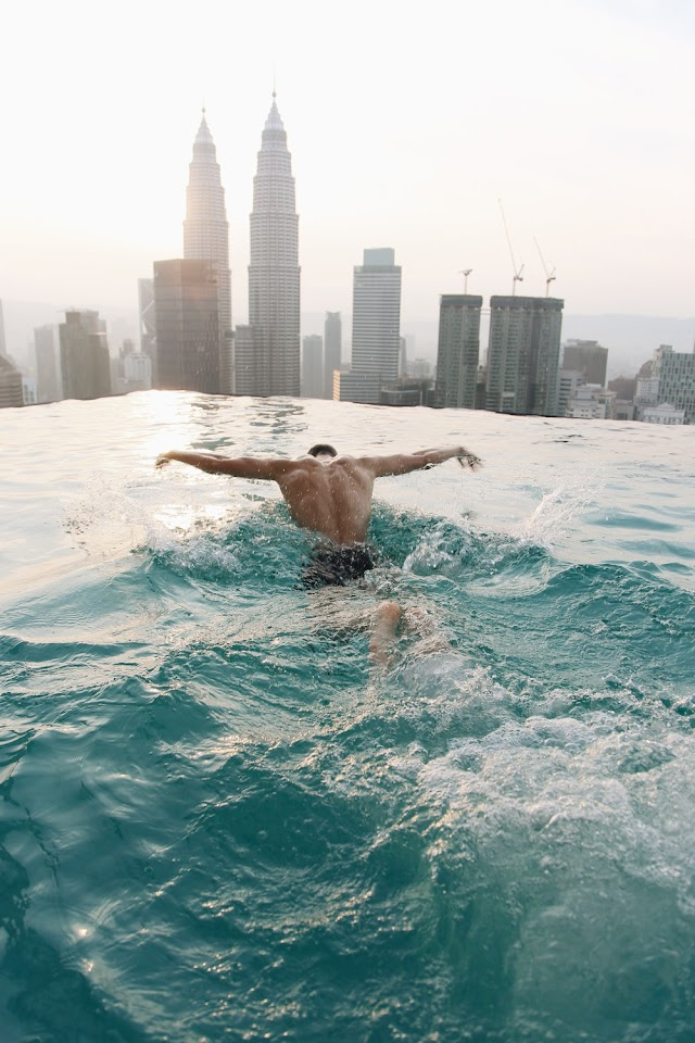 LIVING IN MALAYSIA: THE LUXURY EXPERIENCE