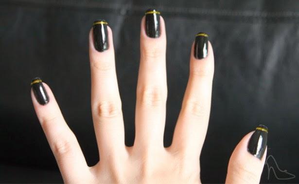 Decoracion de uñas con cinas metálicas y esmalte - uñas postiza decoradas - imagenes