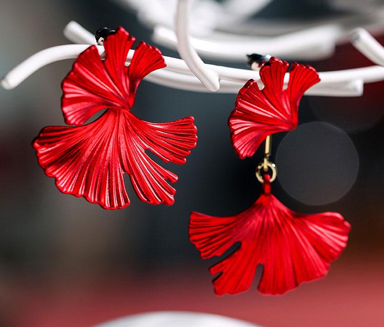 造型風不對稱花瓣耳環