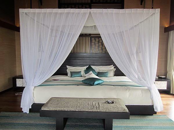 White Sheer Canopy Bed Curtain