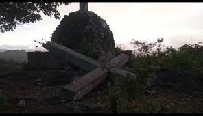 Adelantan las labores de recuperación estructural de la emblemática Cruz de Constantino ubicada en el cerro El Calvario