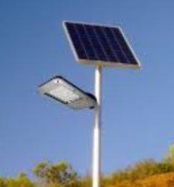 http://bombillasdebajoconsumo.blogspot.com.es/2016/11/opinion-el-timo-de-las-farolas-solares.html